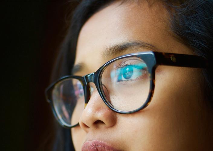 How to utilise eye contact